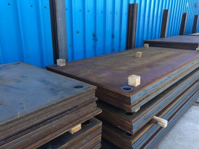 steel road plates with lifting holes